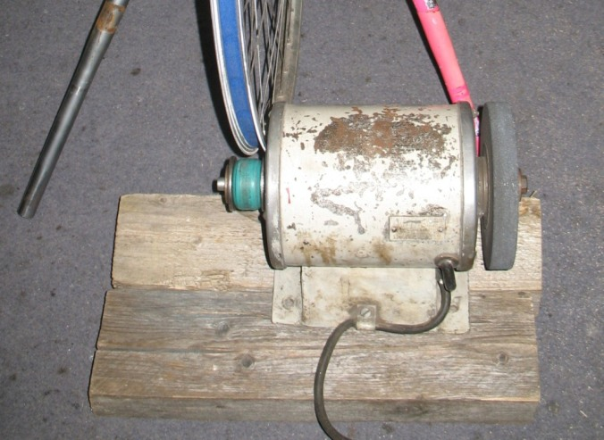 Schleifbock mechanisch